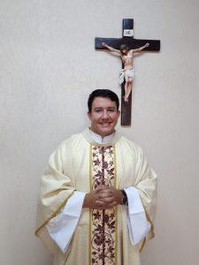 Pe. Fábio Mendes